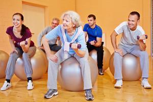 zufriedenes leben alte menschen